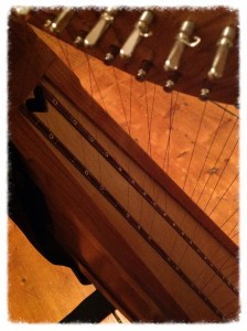 Cross-strung wire harp
